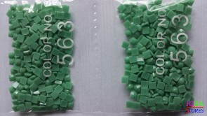 Nummer 563 vierkante steentjes (klein)