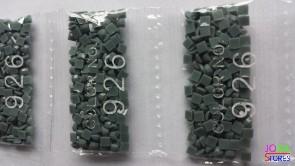 Nummer 926 vierkante steentjes (klein)